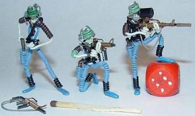 மின் வயரினால் செய்யப்பட்ட அழகான மனிதர்கள் துப்பாக்கிகள் 47131,xcitefun-wire-soldiers-9