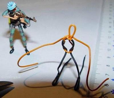 மின் வயரினால் செய்யப்பட்ட அழகான மனிதர்கள் துப்பாக்கிகள் 47140,xcitefun-wire-soldiers-14