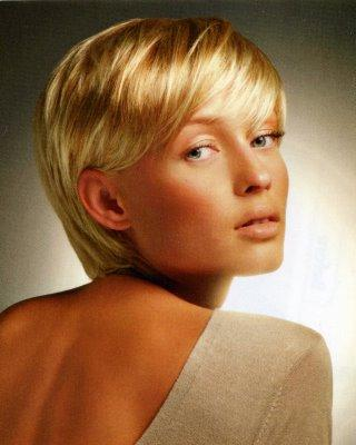 Latest Spring Summer 2009 Hairstyles Edition By cutting medium hair