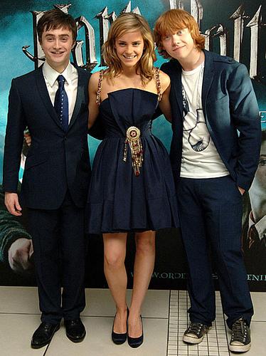 Daniel Radcliffe And Rupert Grint nurulsharinanas...