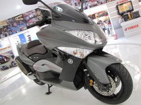 Yamaha T-Max Scooter Picture