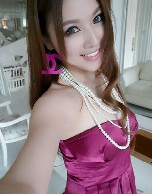 http://2.bp.blogspot.com/_TXpuMXTxysc/TUlMZ6bD6lI/AAAAAAAACA4/y0xMSLzNEhs/s1600/gurusexy2.jpeg
