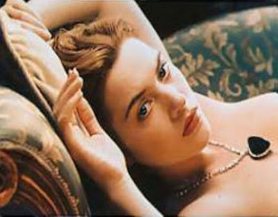 kate winslet in titanic drawing scene full. kate winslet in titanic age.