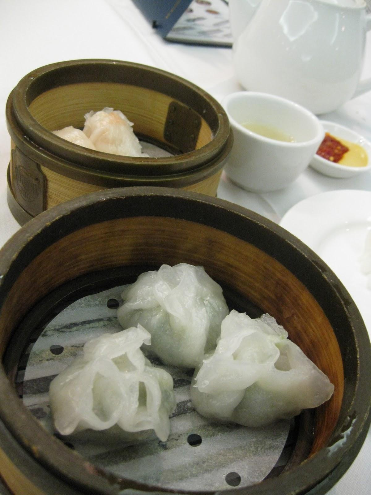 http://2.bp.blogspot.com/_TYv9kgX4Muo/TOGD8-JX8_I/AAAAAAAAAMo/CR_vTWH5onM/s1600/dumplings+spread.jpg