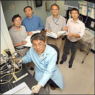 Wei-qiang Han (foreground), Lijun Wu, Zhen Xian, Yimei Zhu, and Wen Wen