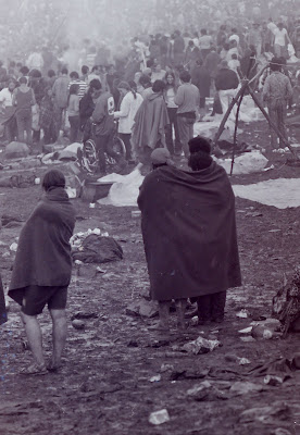 Woodstock Crowd mud and blankets