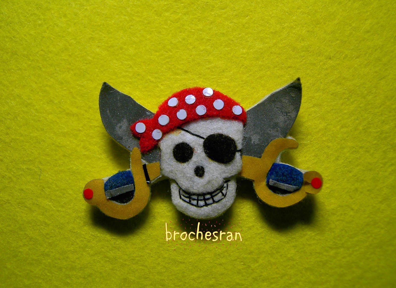 Arte de fieltro: calavera pirata