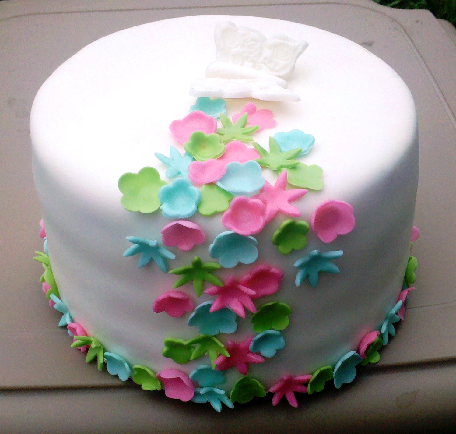 cake with flowers and butterflies