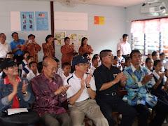 Bersama Pelajar dan Guru Di SK Ng. Kesit Lubok Antu