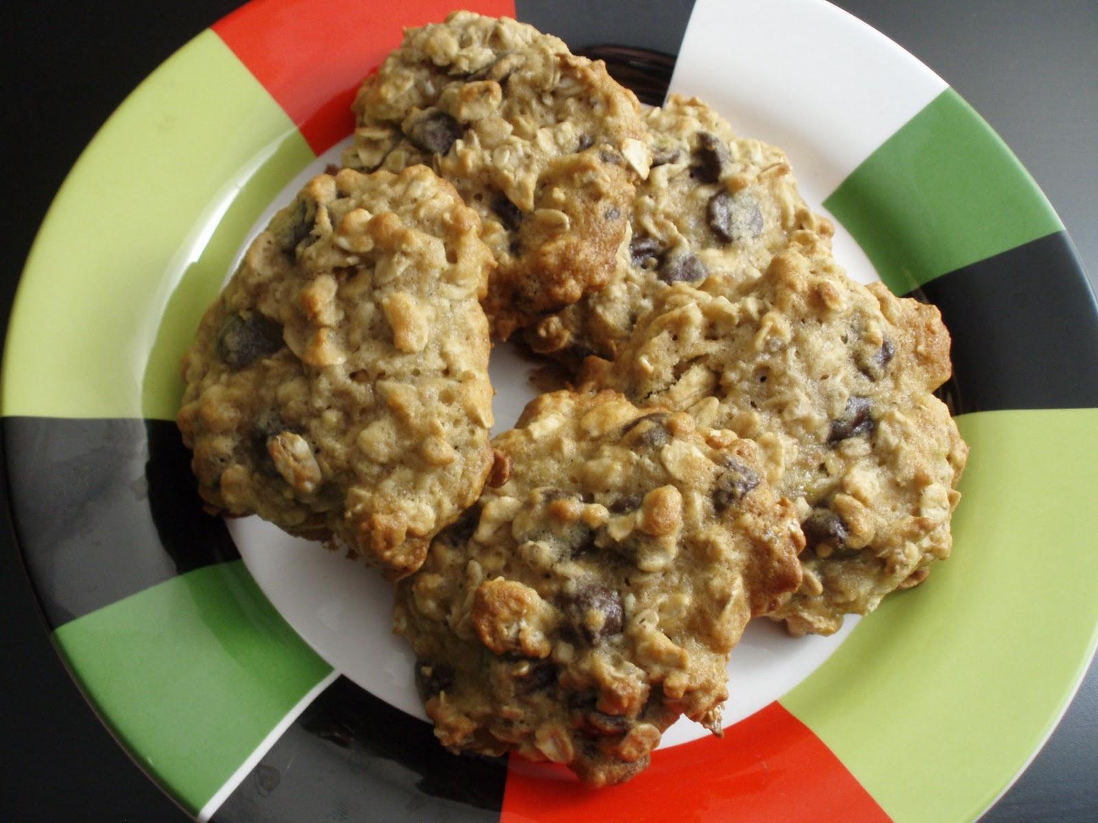 Chocolate Chip Cookie Dough Cupcakes - Taras