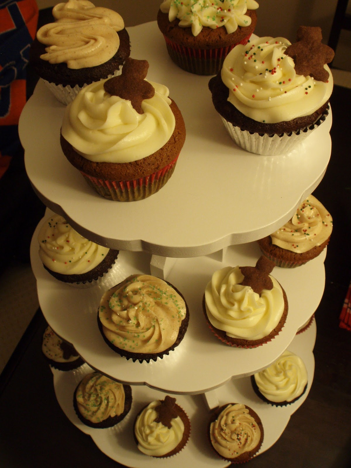 ... Cupcakes: Gingerbread Cupcakes with Cinnamon Cream Cheese Frosting