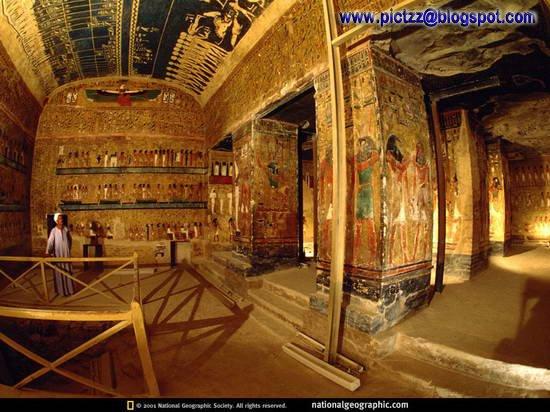 http://2.bp.blogspot.com/_TahXQ2WiF0s/SJ59SvmXYaI/AAAAAAAACEQ/YElbWtvI8WA/s400/Inside+The+Pyramid+03.jpg