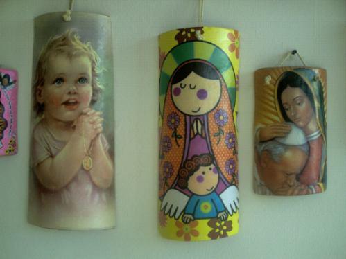 Recuerdos y manualidades tejas decoradas - Pintura para tejas ...