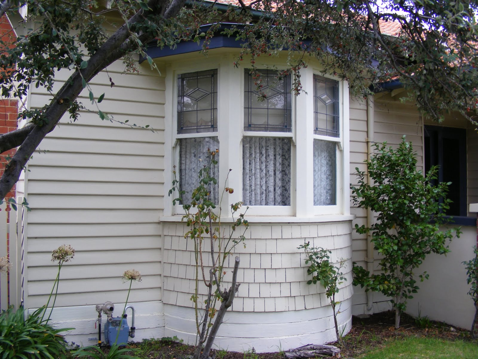 TRENTHAM TALES The State Bank Californian Bungalow and Mrs