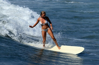 Hot Surfer Girl Pic
