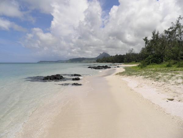 Plage tranquille et isolée de l'Ile aux Cerfs