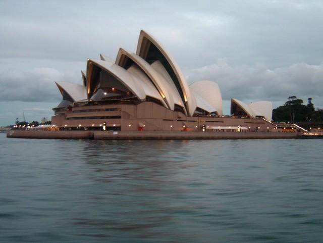 L'Opéra de Sydney vu depuis le ferry