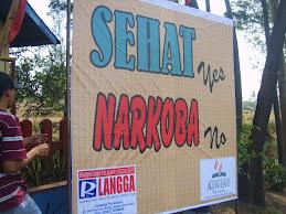 Sehat.......Yes,  Narkoba........No