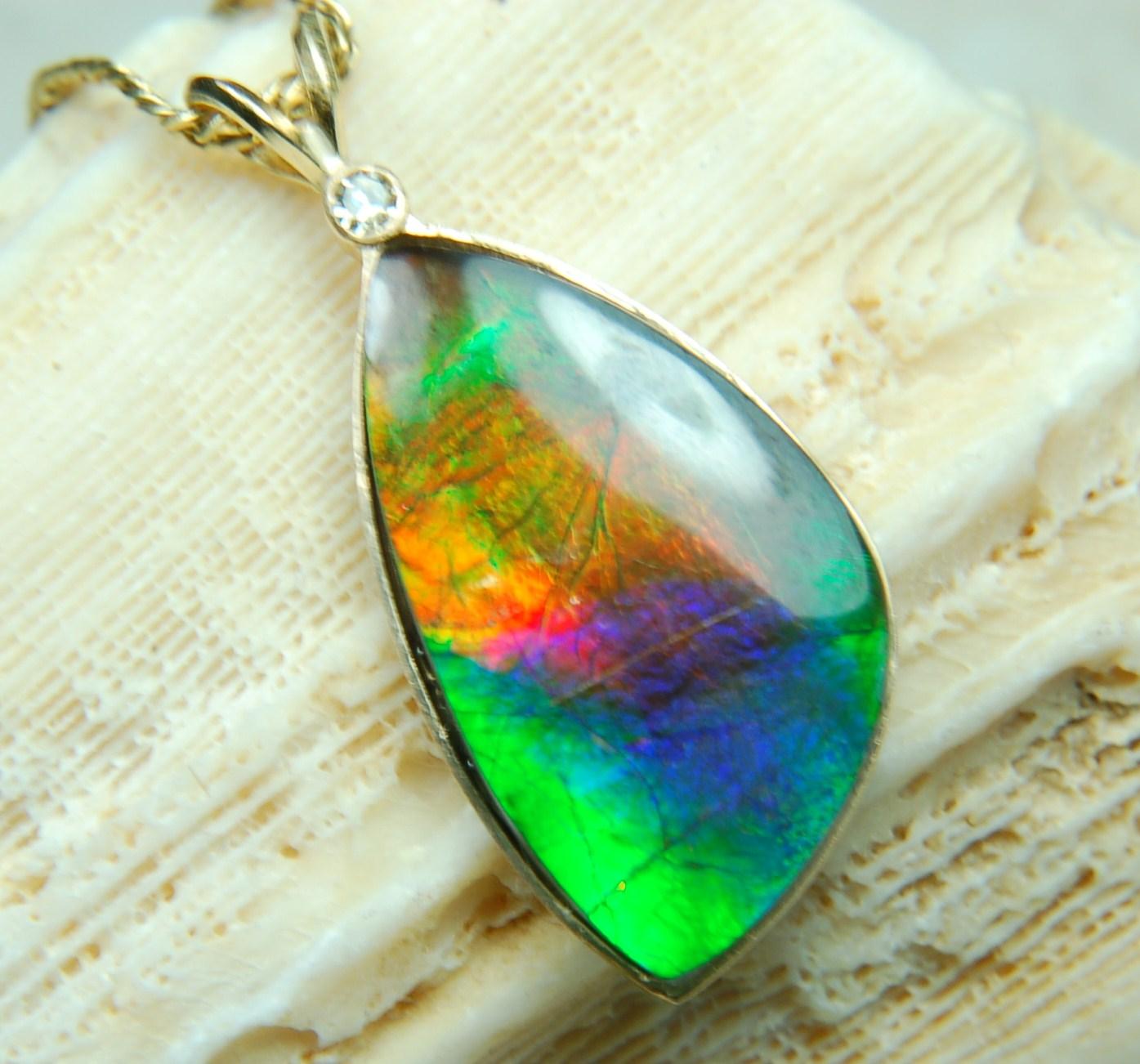 ammolite gems and jewelry