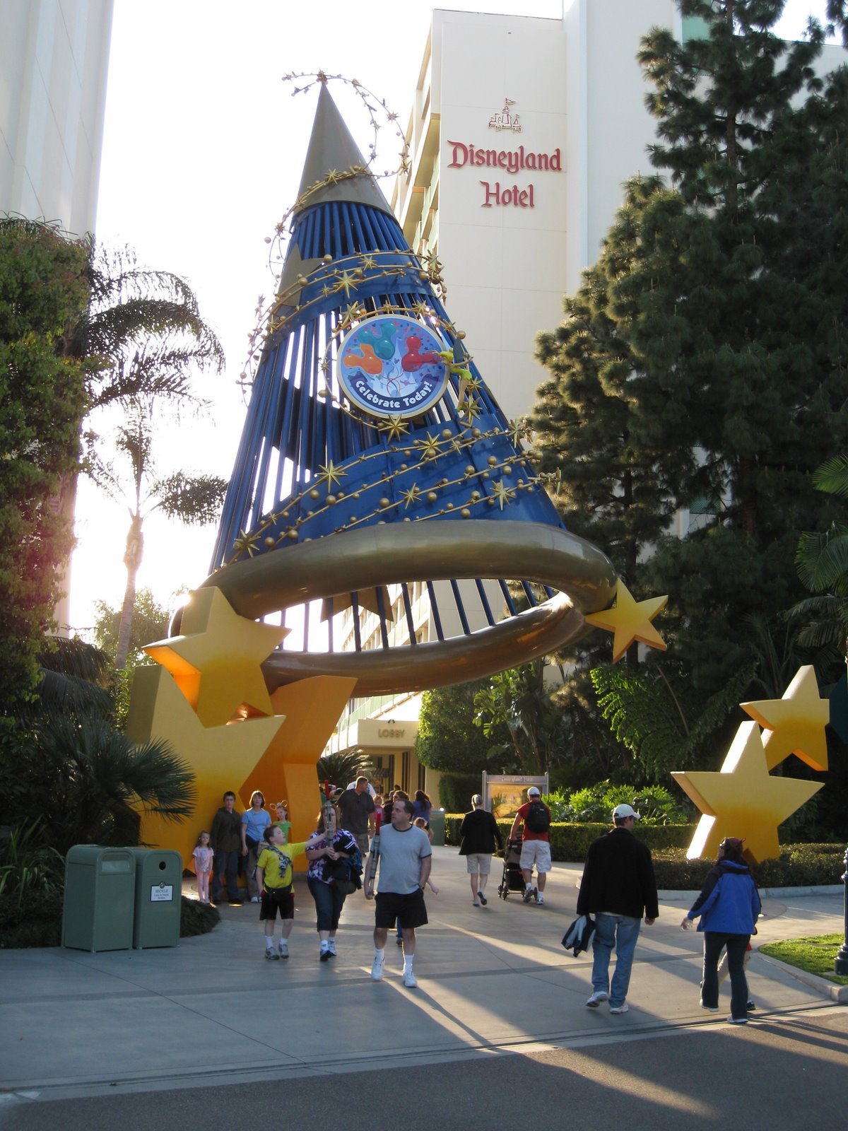 [_Disneyland_Day3_10.jpg]