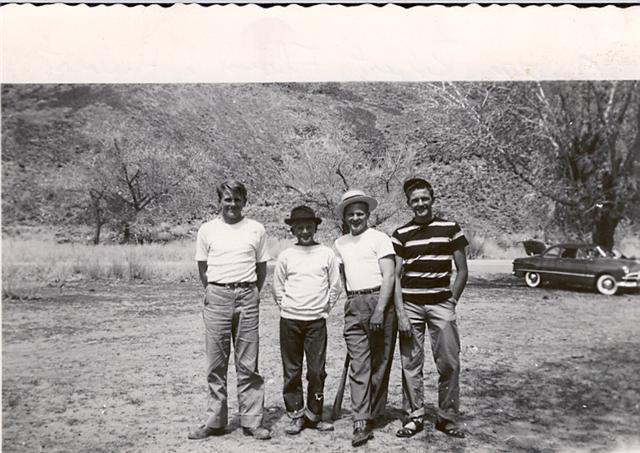 Austin, Bob, Floyd & Hubert Munson