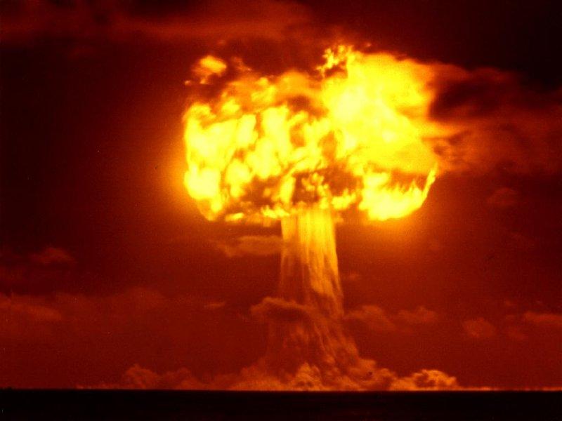 http://2.bp.blogspot.com/_TeKZrOzjEUw/TCrBEZ6EO-I/AAAAAAAABE8/JoHstAwp5l8/s1600/nuclear-bomb-explosion.jpg
