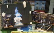 Vidriera en una librería de Buenos Aires