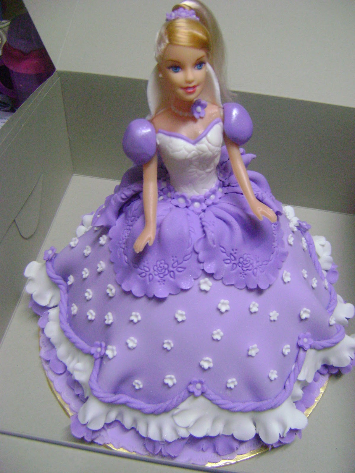 Birthday Cake Images Doll : IreneBakeLove: Princess Doll Cake - Purple Theme