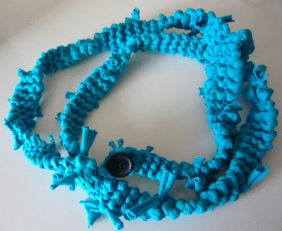 how to make a necklace out of yarn