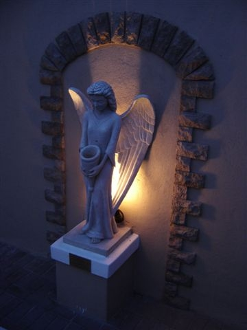 Die Engel het nou 'n naam