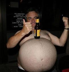 El hombre de los abdominales cerveceros ama este blog