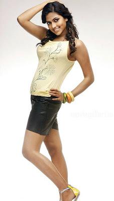 http://2.bp.blogspot.com/_ThigOYiWMJw/TSJFbrP-12I/AAAAAAAAAjk/dS3bvzsOEOA/s1600/Amala-paul-hot-stills10.jpg