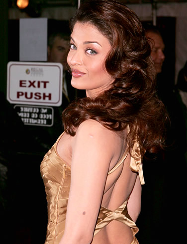 Aishwarya Rai Latest Hairstyles, Long Hairstyle 2011, Hairstyle 2011, New Long Hairstyle 2011, Celebrity Long Hairstyles 2073