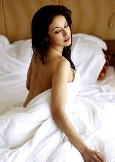 , Madhuri Bhattacharya Hot sexy siren Photo Gallery