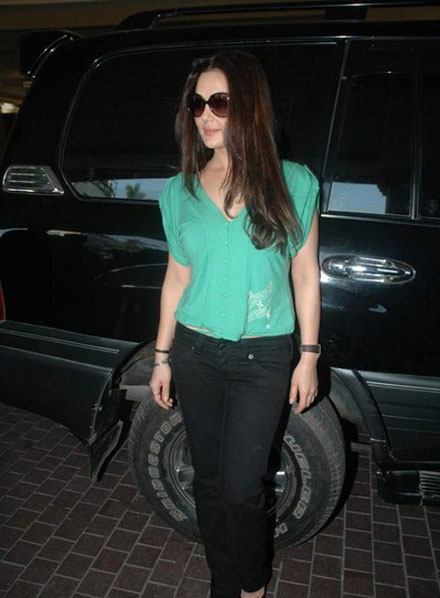 preity zinta at gillettes stop pms event latest photos