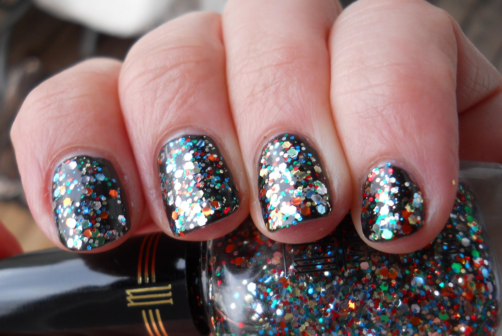 Ali\'s Nail News: There\'s a party on my nails! My NYE Mani....Glitter ...