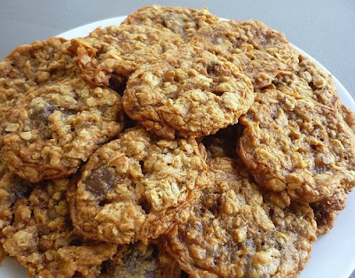 Oatmeal Toffee Chocolate Chip Cookies (adapted from hersheys kitchens)