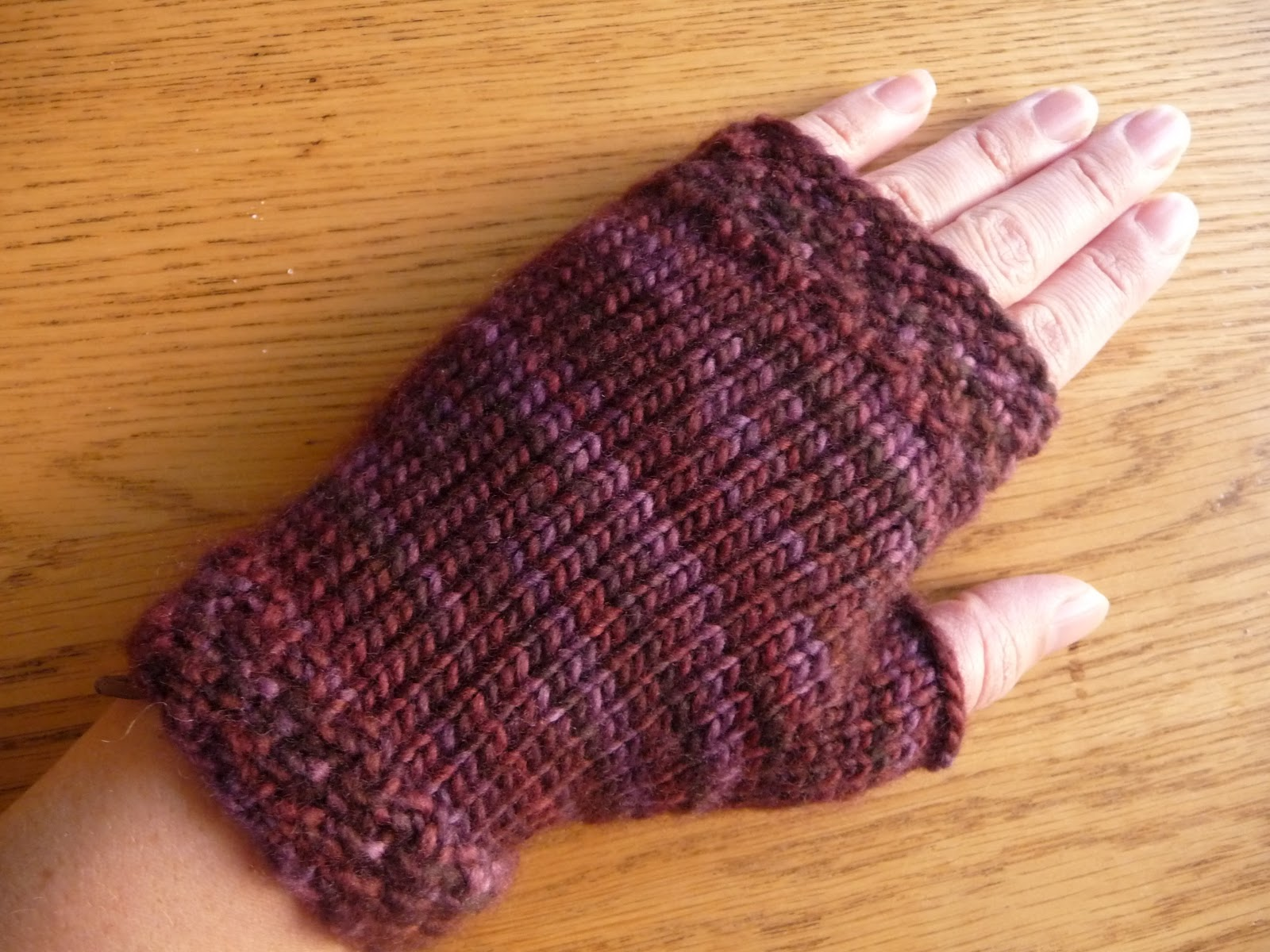 Free Knitting Pattern Doll Mittens : Fingerless Mittens Knitting Pattern - My Patterns