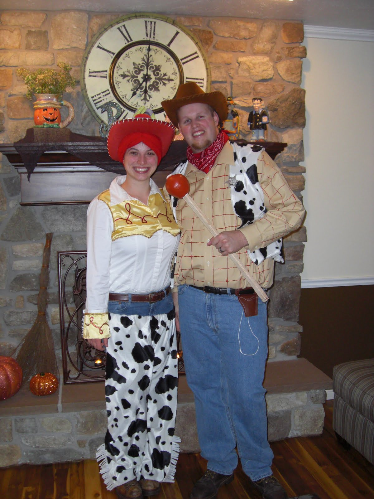 Jessie and Woody Costumes Homemade http://jessieandjon.blogspot.com/2010_11_01_archive.html