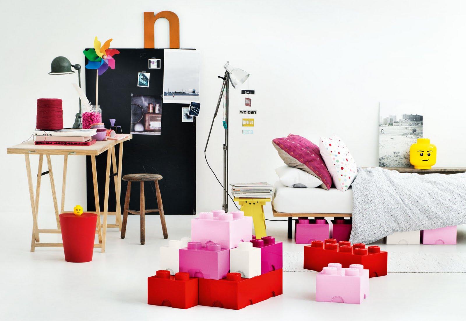 http://2.bp.blogspot.com/_Tn-imEmwXt8/TBZaAPMZQqI/AAAAAAAAA4o/aSkypOTgFVY/s1600/la-chica-del-solitario-lego-storage-boxes%5B1%5D.jpg
