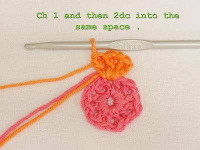 Цветочный фрагмент крючком АФРИКАНСКИЙ ЦВЕТОК для вязания игрушек (23) (700x525, 223Kb) .
