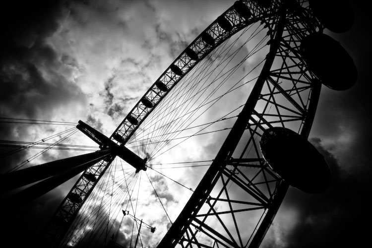 london eye black and - photo #37