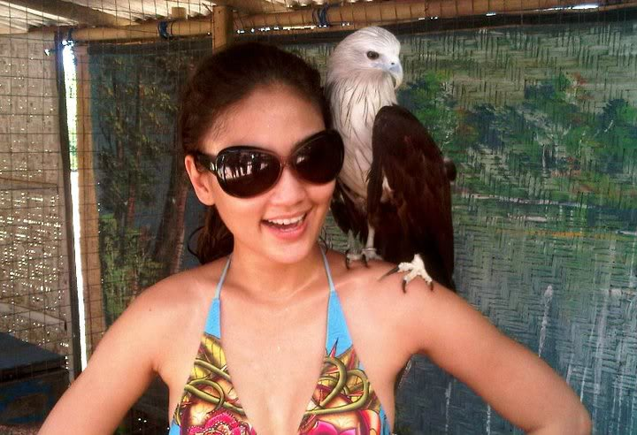 Fasha Sandha berbikini di Bali