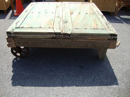 black dog salvage architectural antiques custom designs coffee table w secret storage. Black Bedroom Furniture Sets. Home Design Ideas