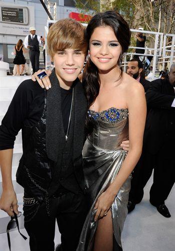 Justin Bieber y Selena Gomez, rumores de noviazgo - PILINGUI'S MUSIC