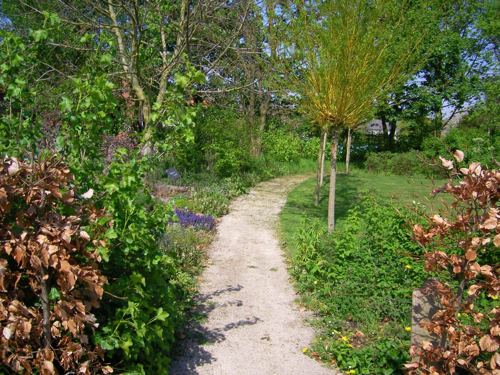 Les Jardins De La Grange A Ellezelles Ergomagritte