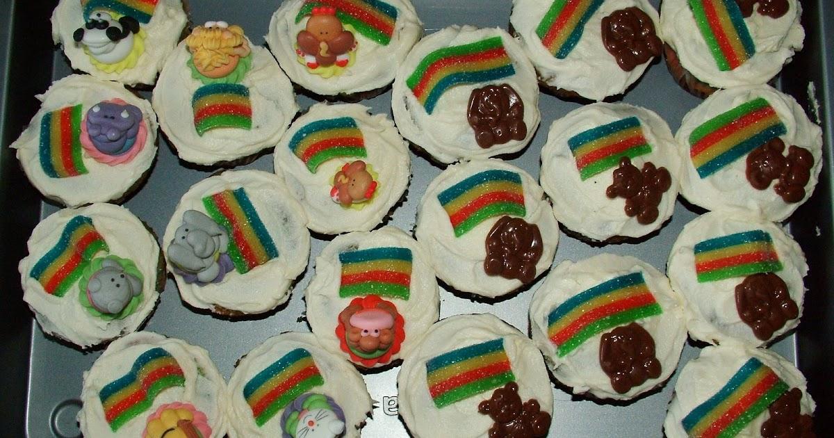 Muffins and more rainbow cupcakes for kindergarten - Muffins fur kindergarten ...