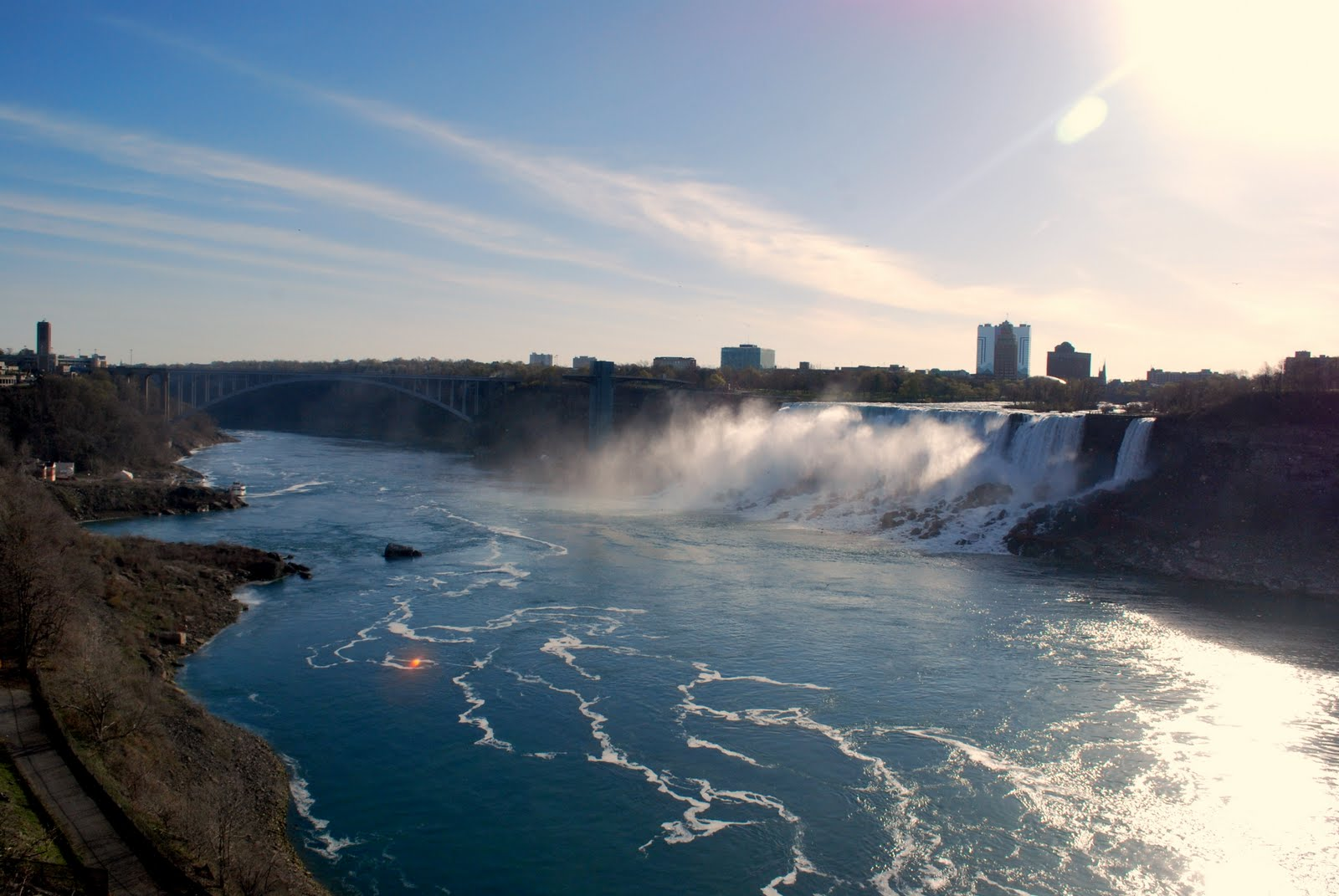 an introduction to the niagara falls This section presents 3 bike tours, as well as an introduction, to the niagara parks recreation trail these tours wend their way along country roads and give insight into different parts of niagara if you would like more information on bicycle and bike riding or other bike tours in niagara falls, contact the niagara freewheelers bicycle.