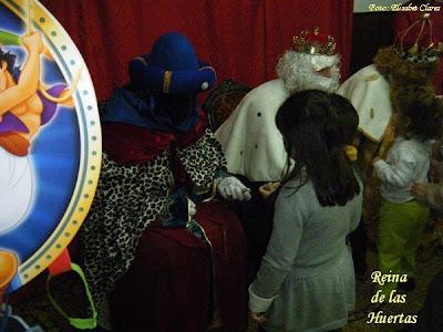 Sus Majestades los Reyes Magos visitaron la Hermandad del Carmen de San Sebastián