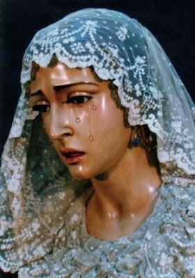 Celebración mariana en Santa María Magdalena organizada por la Hermandad de la Coronación